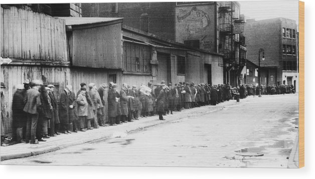 1930 Wood Print featuring the photograph New York City Bread Line by Granger