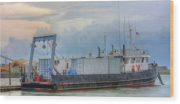 Big Wood Print featuring the photograph Docked Awaiting The Storm by Elizabeth Spencer