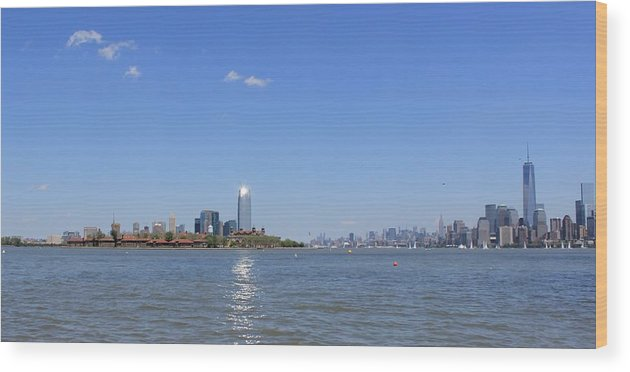 Nyc Wood Print featuring the photograph Sun-kissed Manhattan by Suzanne Perry
