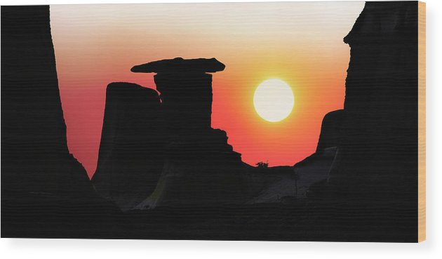 Middle Earth Wood Print featuring the photograph Hoodoo Sunrise by John Poon