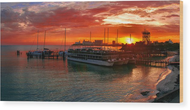 Mexico Wood Print featuring the photograph Sunrise In Cancun by Sun Travels