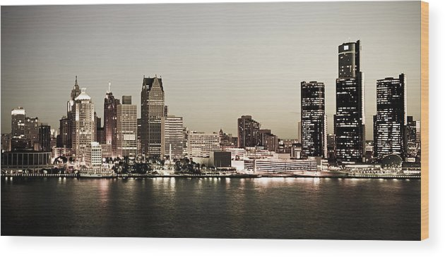Detroit Wood Print featuring the photograph Detroit Skyline at Night by Levin Rodriguez