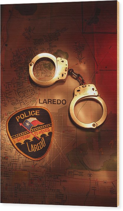 Laredo Wood Print featuring the photograph LPD by Daniel Alcocer