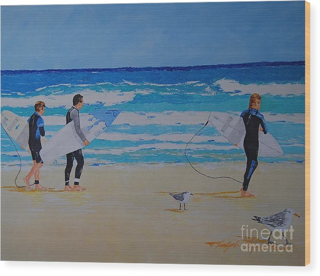 Beach Scene Wood Print featuring the painting Beach Walkers by Art Mantia