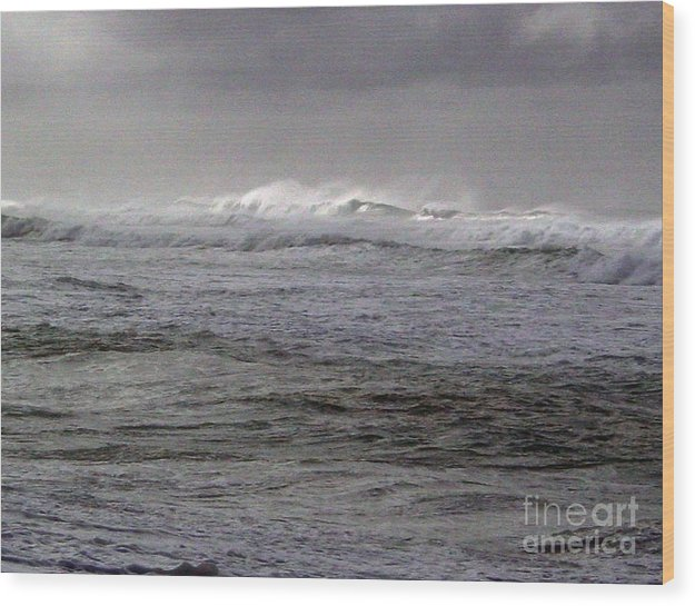 Seascape Wood Print featuring the photograph North Beach Winter Outside Break by Paul Miller