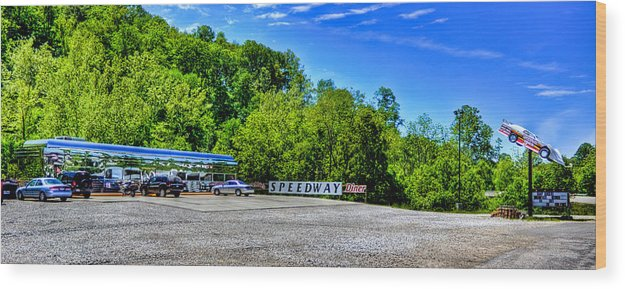 Diner Wood Print featuring the photograph Speedway Diner by Jonny D