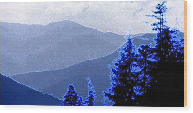 Mountains Wood Print featuring the photograph Ridge Layers 4 Ae by Lyle Crump