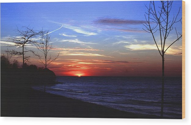 Sunset Wood Print featuring the photograph 112601-54 by Mike Davis