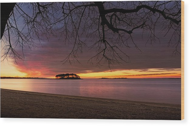 2017 Wood Print featuring the photograph Sprite Island Sunrise by Simmie Reagor