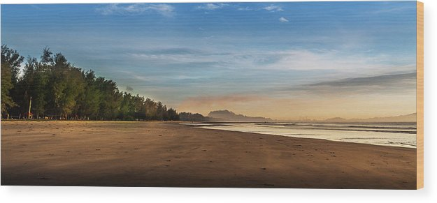 Tranquility Wood Print featuring the photograph Eastern Edge Of Malaysia by Simonlong