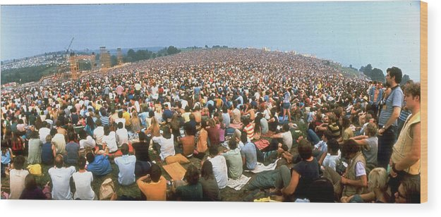 Timeincown Wood Print featuring the photograph Wide-angle Pic Of Seated Crowd Listening by John Dominis