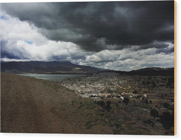 Landscape Wood Print featuring the photograph Lake Elsinore Waiting by Richard Gordon