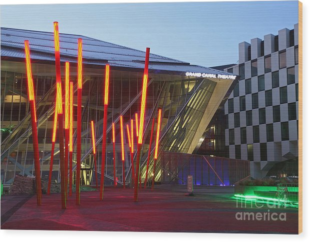 Twilight Wood Print featuring the photograph Grand Canal Square Twilight by Ros Drinkwater