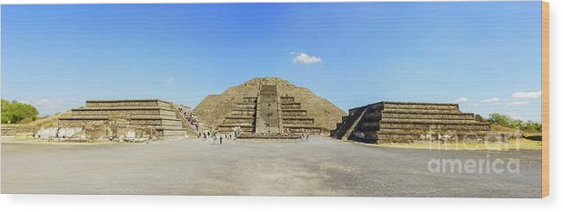 Avenue Of The Dead Wood Print featuring the photograph The Famous Pyramid Of The Moon by Chon Kit Leong