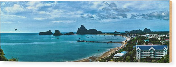 Pano Wood Print featuring the photograph Ao Manao Pano by Adam Howard