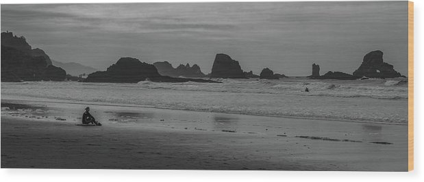 Wood Print featuring the photograph Cannon Beach Bw by Marcel Van der Stroom