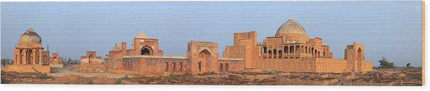 Tranquility Wood Print featuring the photograph Isa Khan Tombs Of Makli by Nadeem Khawar