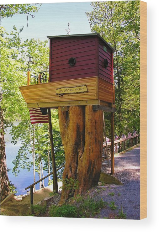 Tree House Wood Print featuring the photograph Tree House Boat by Sherman Perry
