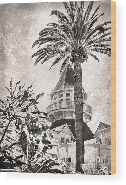 San Diego Wood Print featuring the photograph Hotel Del Coronado by Peggy Hughes