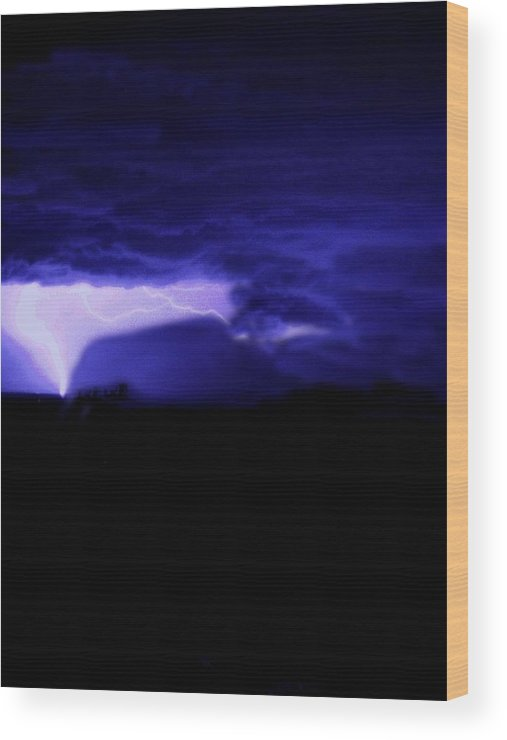 Night Sky Wood Print featuring the photograph Mesa Lightning Funnel by Alfredo Martinez