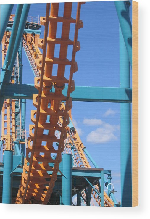 Six Wood Print featuring the photograph Six Flags America - Two-face Roller Coaster - 12121 by DC Photographer