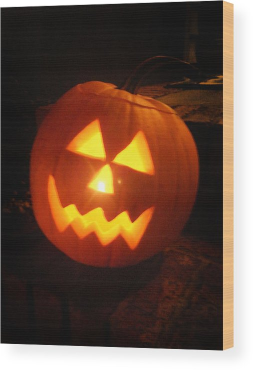 Halloween Wood Print featuring the photograph Classic Jack O Lantern by Kelly Hazel