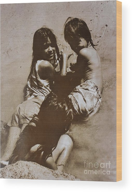Costa Rica Wood Print featuring the photograph Maria Y Jose 88 by Bradley