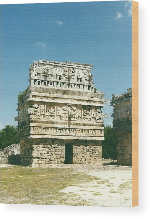 Chichen Itza Wood Print featuring the photograph Chichen Itza Mexico 2 by John Hughes