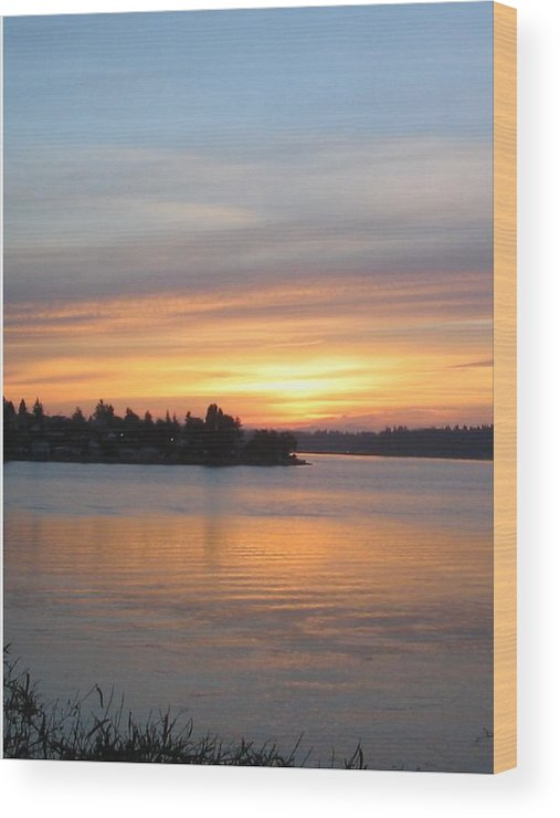 Sunrise Wood Print featuring the photograph Manette Sunrise by Valerie Josi