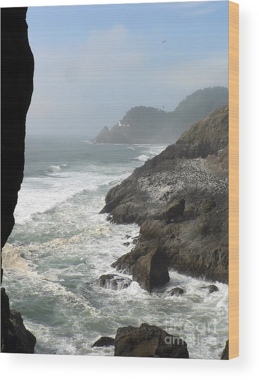 Pacific Wood Print featuring the photograph Oregon Coast by Larry Keahey