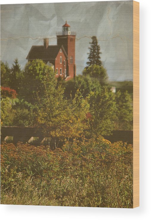 Layers Wood Print featuring the photograph Two Harbors Lighthouse by Tingy Wende