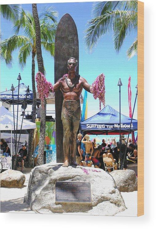 Statues Wood Print featuring the photograph Waikiki Statue - Duke Kahanamoku by Mary Deal