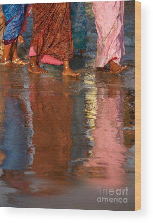 Women Wood Print featuring the photograph Women In Saris by Derek Selander