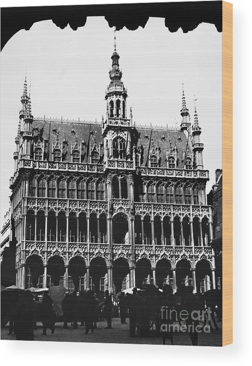 15th Century Wood Print featuring the photograph Grand Palace, Brussels by Granger