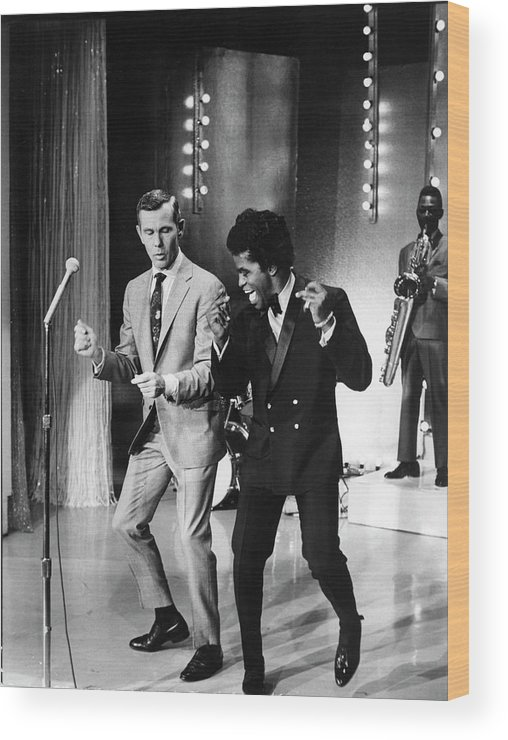 Singer Wood Print featuring the photograph Johnny Carsonjames Brown by Arthur Schatz
