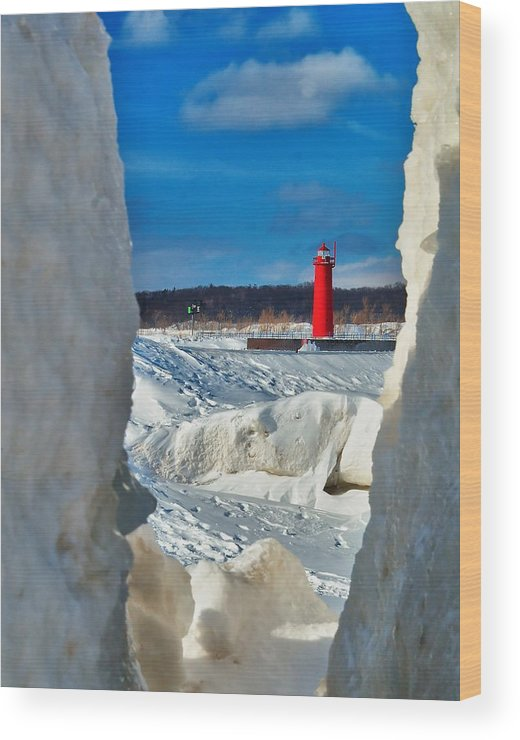 Muskegon Wood Print featuring the photograph Muskegon Light Thru The Ice by Nick Zelinsky
