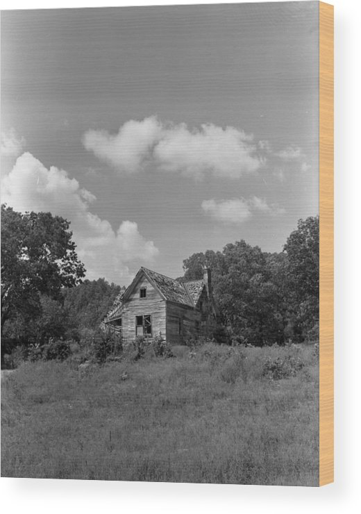Wood Print featuring the photograph Old Housw by Curtis J Neeley Jr