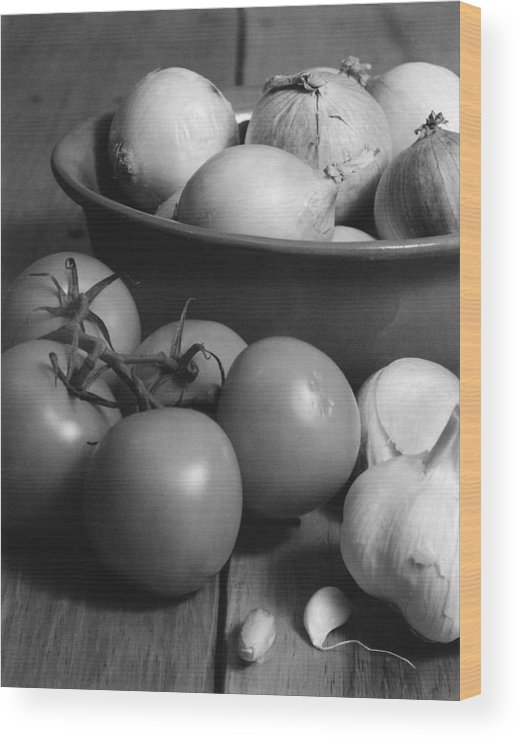 Cooking Wood Print featuring the photograph Tomatos Onion And Garlic by Henry Krauzyk