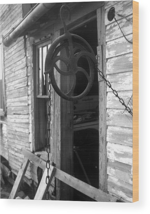 Ansel Adams Wood Print featuring the photograph Waterpulley by Curtis J Neeley Jr