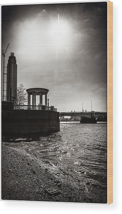 s.i.s Wood Print featuring the photograph Sunny London Beach 2 by Lenny Carter
