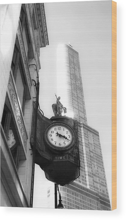 Chicago Wood Print featuring the photograph Time by Bohuslav Jelen