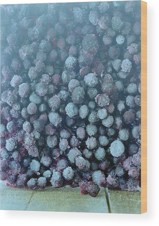 Berries Wood Print featuring the photograph Frozen Blueberries by Romulo Yanes