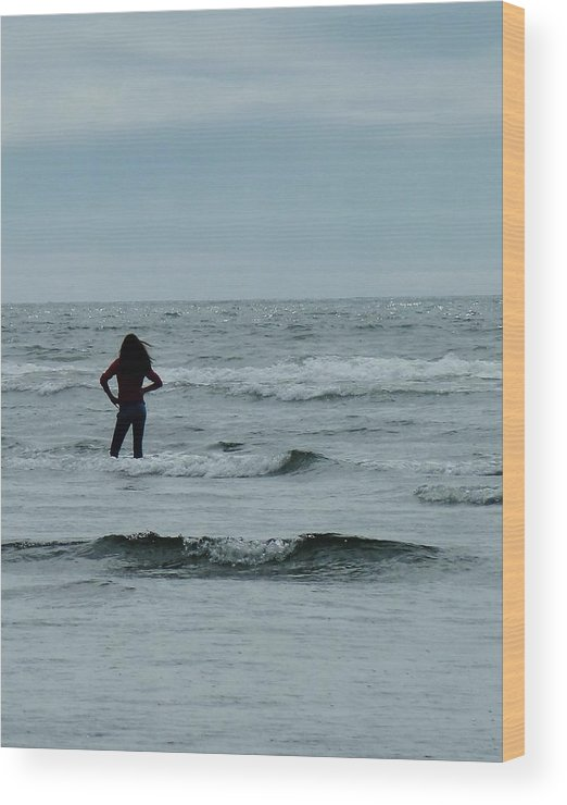 Girl Striking Pose Wood Print featuring the photograph Striking A Pose In The Pacific by Ann Michelle Swadener