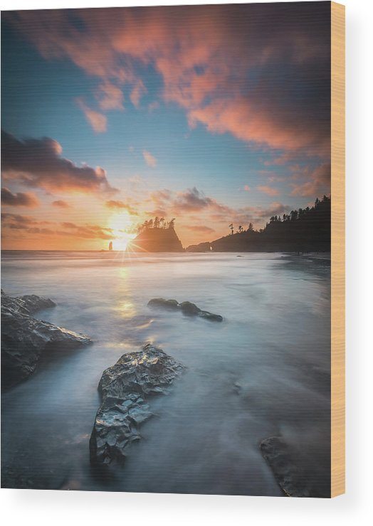America Wood Print featuring the photograph Pacific Sunset At Olympic National Park by William Freebilly photography