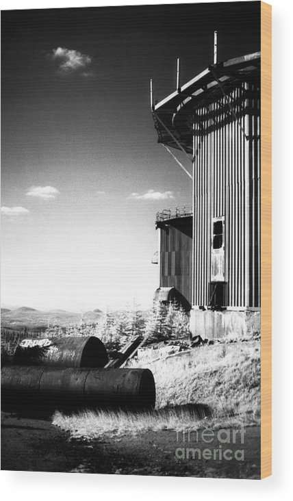Abandoned Wood Print featuring the photograph Abandoned Radar by Richard Rizzo