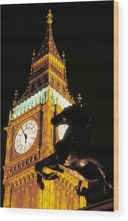 Clock Wood Print featuring the photograph Big Ben In London by Carl Purcell