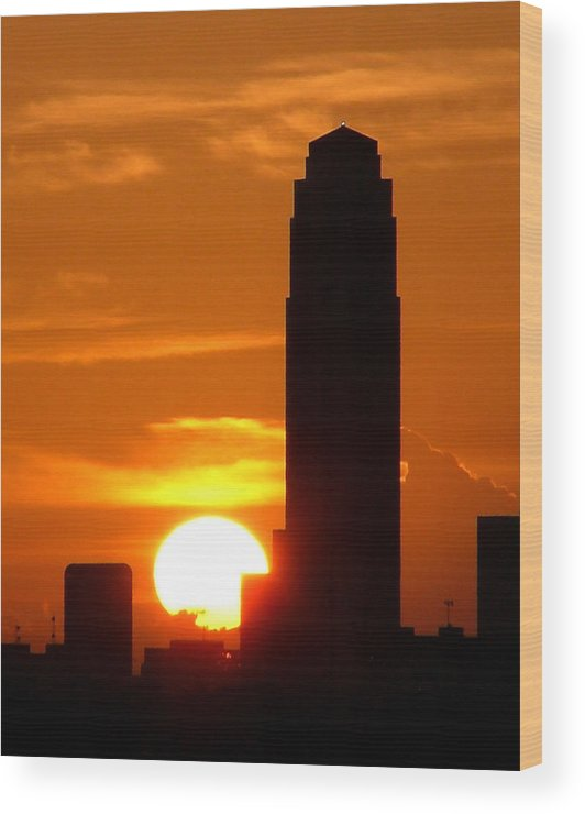 Houston Wood Print featuring the photograph Williams Tower Sunset by Dwight Theall