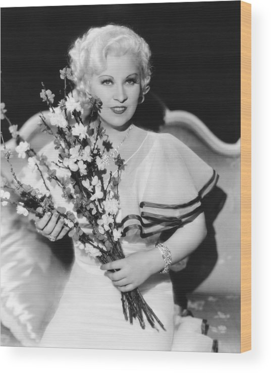 1930s Movies Wood Print featuring the photograph Goin To Town, Mae West, 1935 by Everett