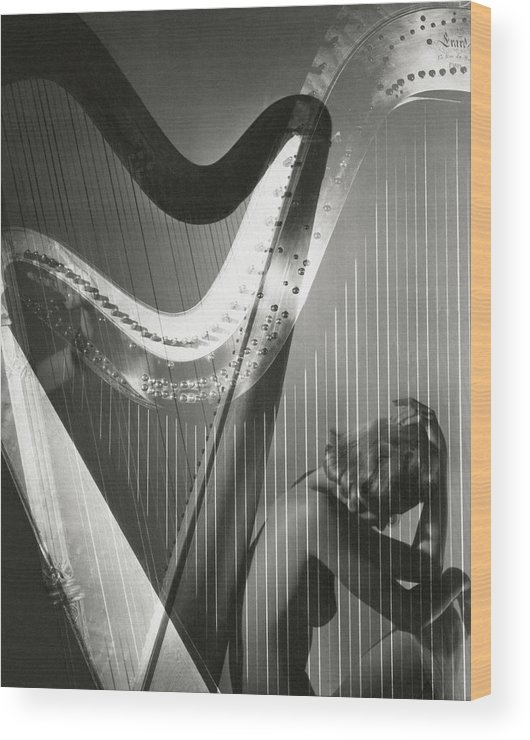 Lisa Fonssagrives Wood Print featuring the photograph A Nude Portrait Of Lisa Fonssagrives by Horst P. Horst