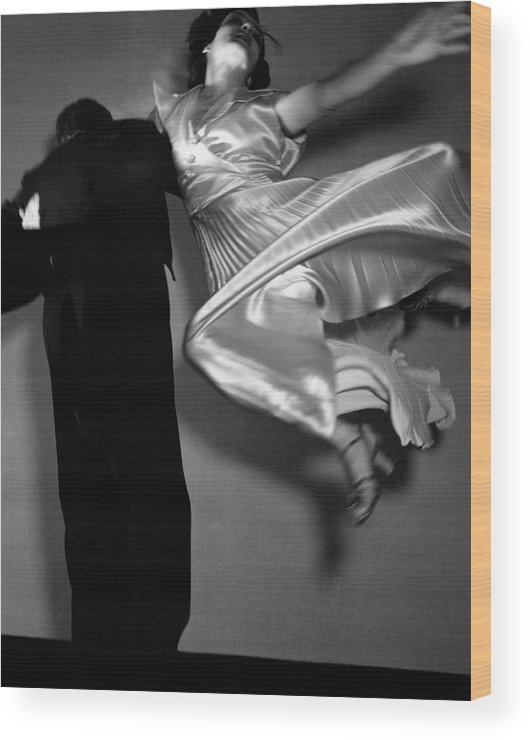 Dance Wood Print featuring the photograph Grace And Paul Hartman Dancing by Edward Steichen